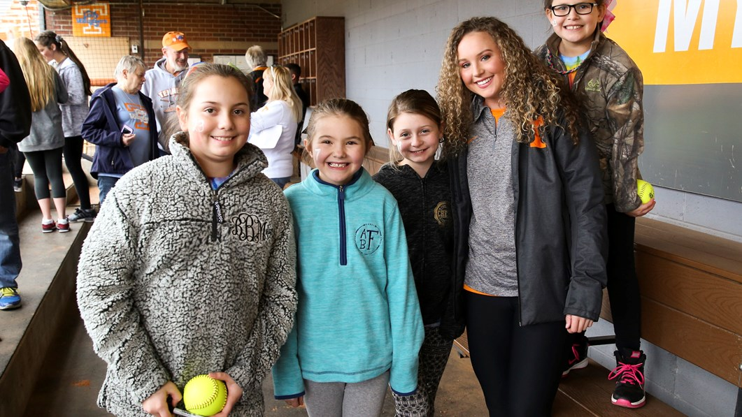 Lady vols welcome fans to annual meet greet university of lady vols welcome fans to annual meet greet m4hsunfo